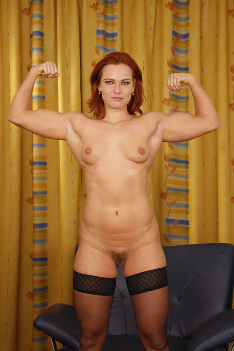 Enjoy This Redhead Muscular Naked Woman In Bodybuilder Porn And