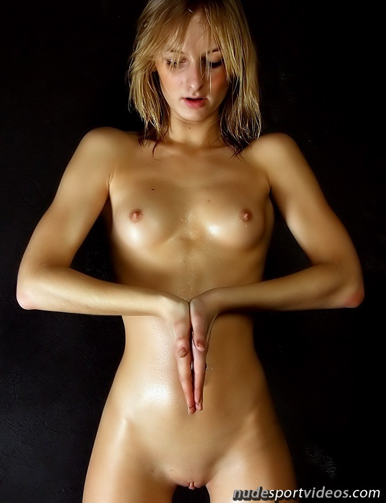 Amateur Blondie Shows Beautiful Nude Yoga Action