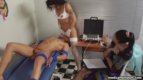 Medical femdom face-sitting games